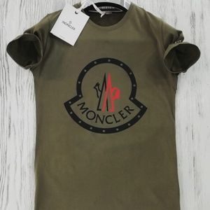 MONCLER CASUAL T-SHIRT COLOR GREEN CREW NECK